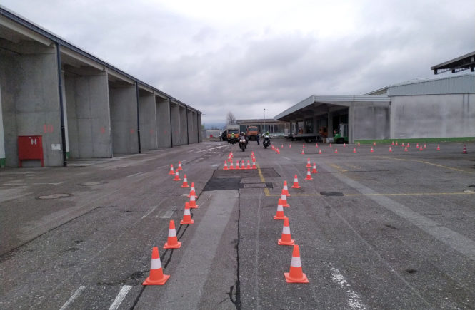 Trening varne vožnje na avtocestni bazi Postojna 2019